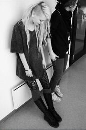 t-shirt,ear plug,boots,stockings,dress,kaja is,black dress,grey dress,shoes,goth,grunge,shirt,black t-shirt,schwarz,grey t-shirt,grau,wide,knee-high boots,punk,vintage,tights,tshirt dress,grey,long,gothic dress,t-shirt dress