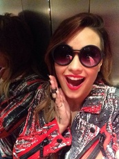 sunglasses,demi lovato,soft grunge,pretty,jacket