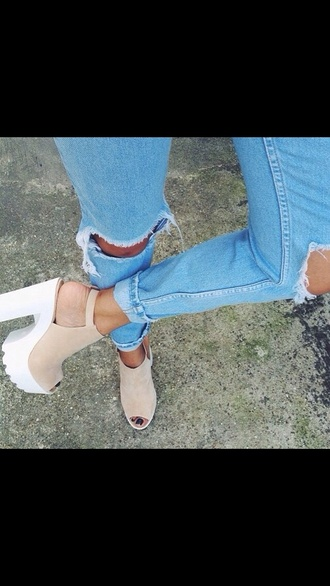beige heels beige shoes white heels white platforms jeffrey campbell classy platform shoes trendy jeans