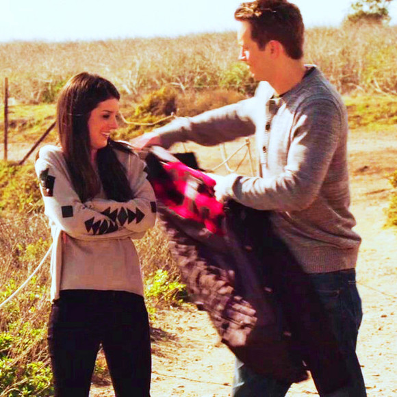 90210 sweater aztec print aztec sleeves grey sweater tribal sweater tribal pattern annie and caleb beach 90210 annie