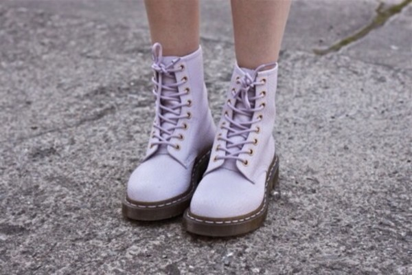 shoes DrMartens laced up boots boots spring DrMartens pastel lavender dr martens pastel purple purple girl tights purple shoes
