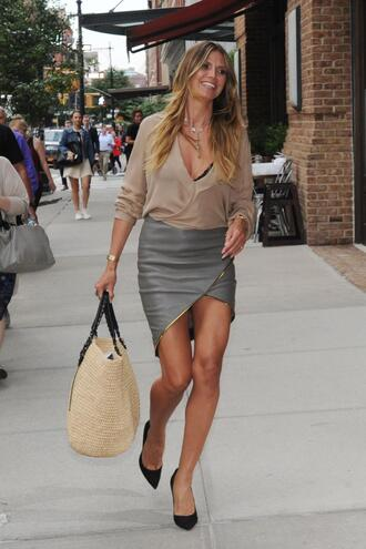 skirt heidi klum blouse pumps