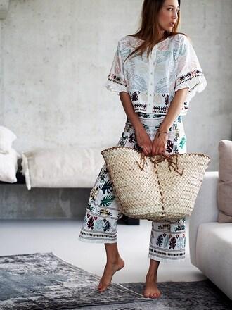 nina @ www.helloshopping.de - it's a blog. blogger bag top pants basket bag summer outfits