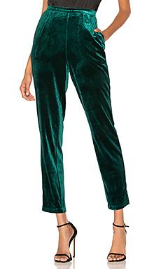 Yumi Kim City Slicker Velvet Pant in Jewel Emerald Velvet from Revolve.com