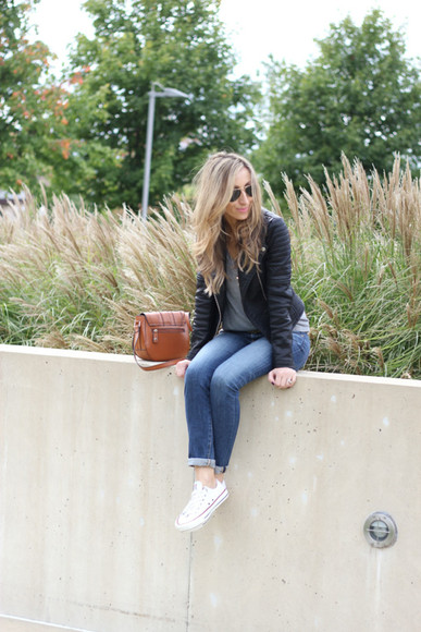 jacket bag jeans Belt t-shirt blogger jewels sunglasses lilly's style