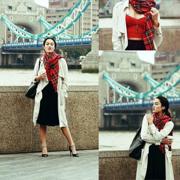 trench coat blogger bag jewels top alessandra kamaile scarf tartan
