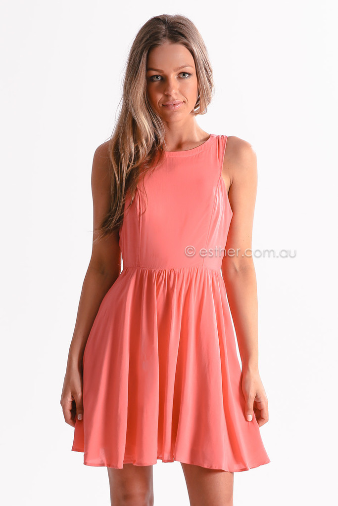 Australia's best online fashion and footwear store. Buy clothes online, shoes online, and fashion accessories. Free delivery & free returns available.
