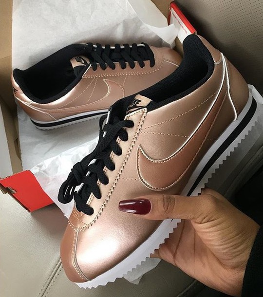 official photos ab07b 10795 Nike Wmns Classic Cortez Leather (Metallic Red Bronze / Metallic Red Bronze  - Black) | asphaltgold