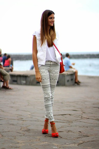 printed pants blogger jewels bag jacket t-shirt marilyn's closet blog
