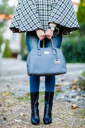 crimenes de la moda,blogger,jeans,jewels,shoes,bag,daniel wellington,michael kors bag,designer bag,black boots,houndstooth,fall outfits,cape