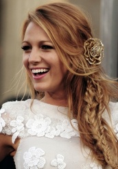 gold,romantic,rose,blake,lively,cute,blake lively,hair accessory,hipster wedding,hairstyles,nail accessories,prom beauty,wedding hairstyles,hair adornments,lace,flowers,white dress,dress,jewels
