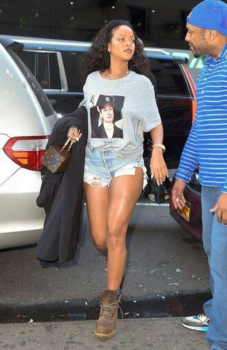 shoes rihanna shorts top streetstyle denim shorts t-shirt