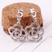 jewels,sweet earrings,gold plated earrings,flower earrings,crystal earrings,silver earrings