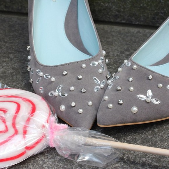 shoes pearls high heels grey blue candy bijoux details stones