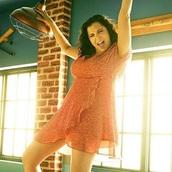 dress,rachel bloom,crazy ex-girlfriend,peach