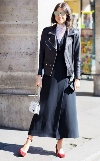 sunglasses mirrored sunglasses black dress dress maxi dress shoes mid heel pumps red shoes pumps jacket leather jacket black leather jacket black jacket bag white bag man repeller blogger top blogger lifestyle