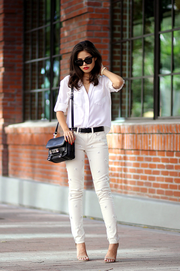 fake leather blogger jeans belt sunglasses jewels