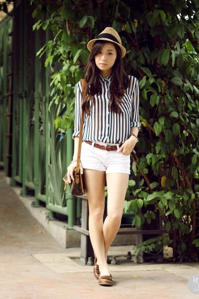 Brown Sperry Flats White Shopthiseasy Tops Quot Paper Boy