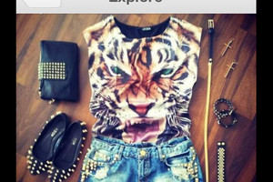 tank top belt tiger clutch earring rivet shorts gold black bracelet clothes outfit accessory summer crop tops hipster hard rock pretty beauty eyes ring jewelry jewels