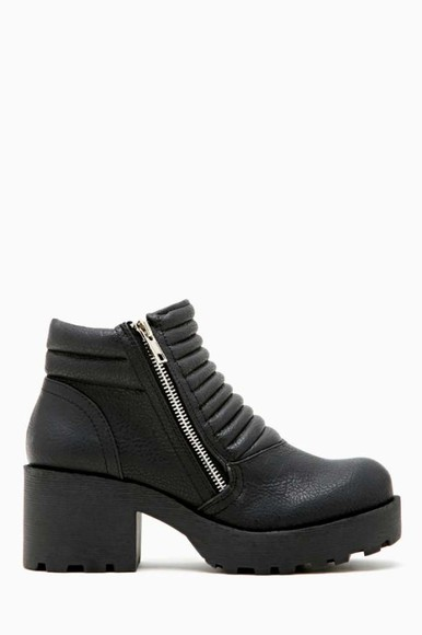 black black leather chunky sole chunky heels chunky boots ankle boots booties side zipper side zipper boots ribbed platform shoes platform boots