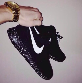 shoes nike roshe run nike sneakers nike black and white nike roshe black jacket shorts exactly like these