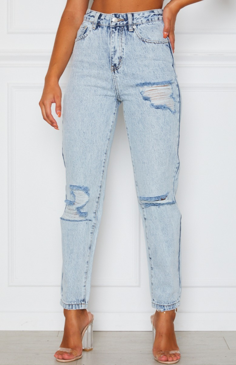 Moving On Boyfriend Jeans Washed Blue Denim