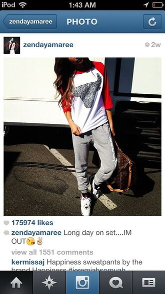 shirt chicago bulls red white baseball tee zendaya pants