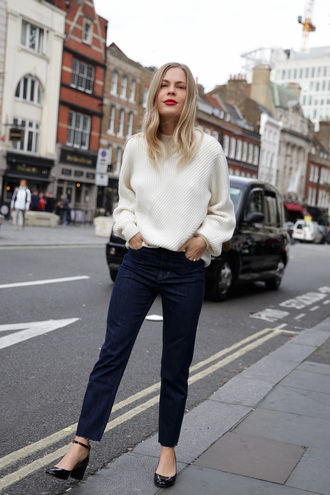 sweater tumblr white sweater knit knitwear knitted sweater denim jeans blue jeans shoes sweater weather