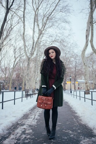 noelles favorite things blogger coat hat leather bag winter outfits