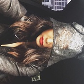 coat,jacket,raincoat,kendall jenner,hat,lace,red lipstick,cats,animal,clothes,fashion