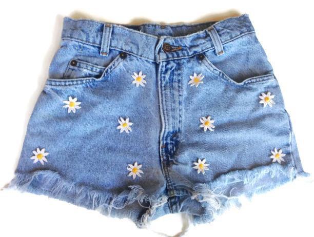 High waisted denim shorts daisy applique hipster tumblr