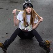 hat,chillin,boots,shirt,acacia brinley,shoes,t-shirt,cap,pants,vêtement,rock,leggings,vintage,noir,smoke,exactly like the picture