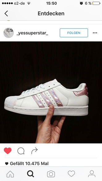shoes adidas superstars adidas adidas shoes cool holographic holographic adidas pink rose gold gold girly gurlie rose