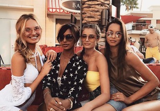 top model taylor hill jasmine tookes model off-duty instagram romee strijd lais ribeiro
