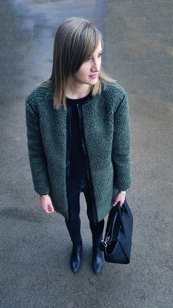 katiquette blogger fluffy forest green jewels pants coat bag