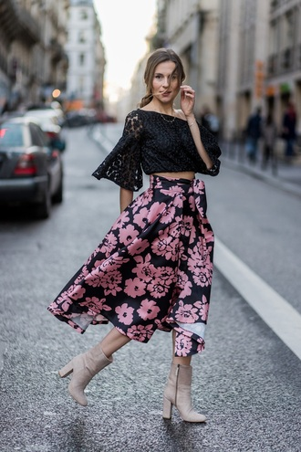 skirt midi skirt floral printed skirt blouse lace blouse crop tops boots blogger blogger style