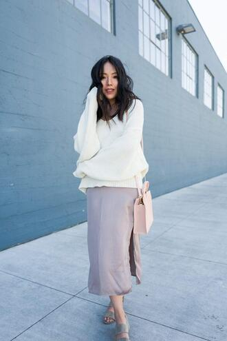 the fancy pants report blogger skirt sweater shoes bag sandals white sweater oversized sweater pink bag spring outfits