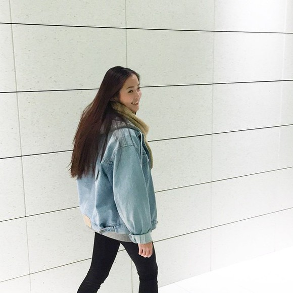 jacket denim jacket denim oversized sweater oversized vintage grunge urban outfitters fashion trendy jeans denim jacket vintage coat blue shirt tumblr outfit style winter sweater