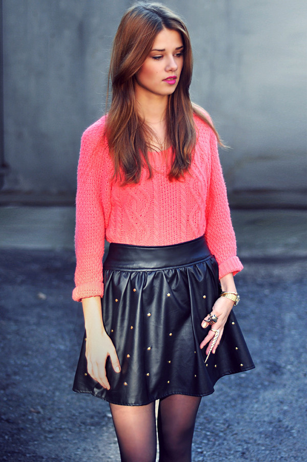 skinny liar sweater skirt shoes jewels