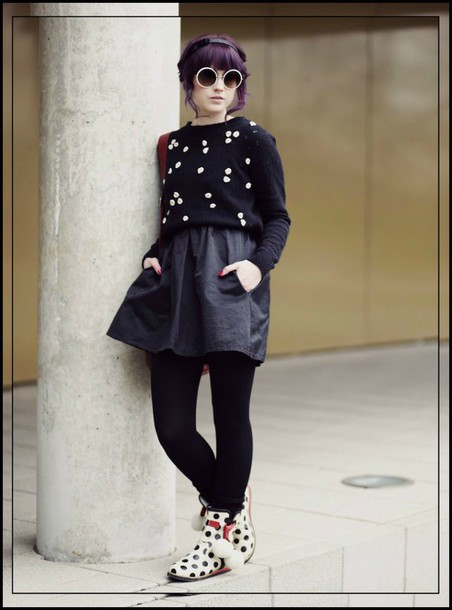 like a riot blogger black skirt polka dots round sunglasses winter sweater sunglasses sweater dress shoes bag