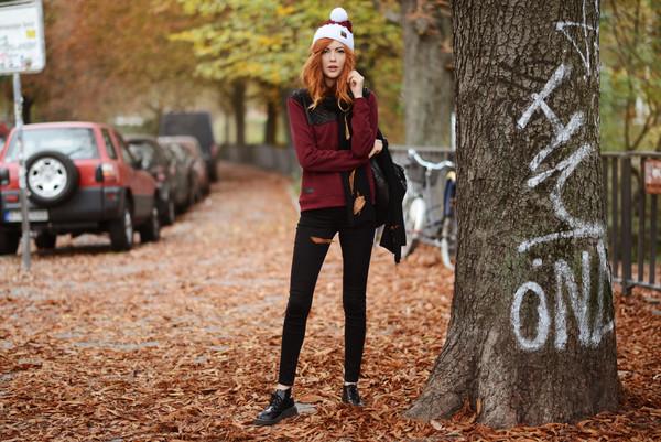 ebba zingmark blogger jeans pom pom beanie