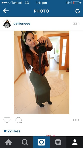 dress green hair accessory high heels green skirt suede jacket
