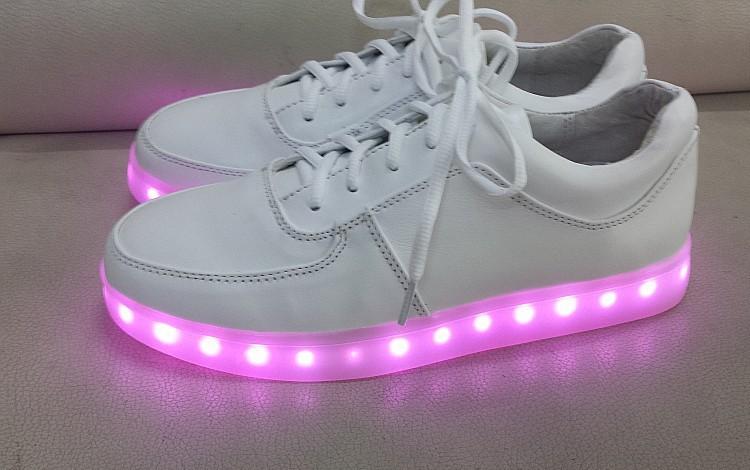 Hot Sale Fashion Brand Designer Women Sneakers Flat Led Shoes White Lace up  Sneakers Plus Size ... 4d2bdc85c7