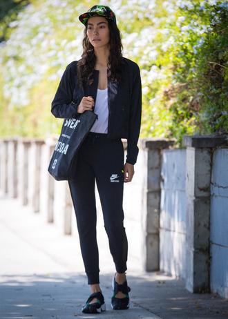 sweat the style blogger hat jacket t-shirt pants bag shoes
