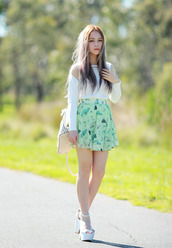 chloe ting,skirt,jewels