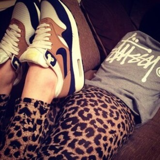 shoes nike air max shirt pants t-shirt outfit cool jeans nike air max 90 swag gold grey t-shirt sneakers nice blue leopard print style hot wear nice shoes hot shoes leggings