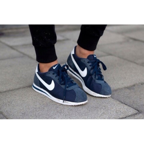 low priced 66088 7b80a Nike Cortez Forrest Gump Amazon gatwick-airport-parking ...