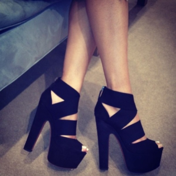 shoes celebrity black cross straps heels platform shoes platform high heels blockheels high heels black high heels strappy black heels black thick heels black heels