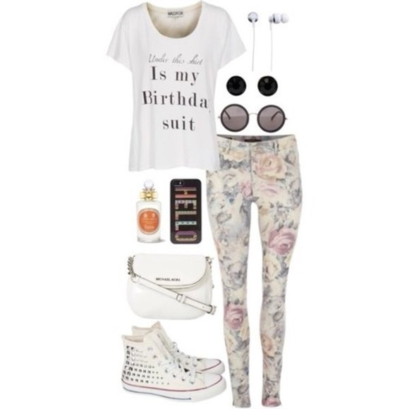 casual t-shirt birthday flowers designer jeans