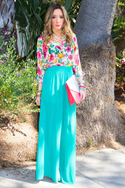 pants palazzo pants turquoise blouse button up floral clutch bag pink white jewelry outfit fashion summer spring girly jewels